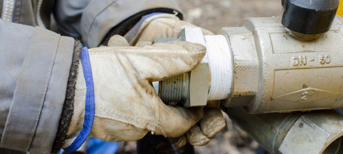 repair, plumber, working, pipeline, rig, plumbing, valves, oil, man, maintenance, worker, industry, pipe, industrial, work, build, tools, connector, wrench, workers, construction, fittings, service, craftsman, gasketing, flax, connected, repairman, tap, water, fix, valve, stainless, seal, steel, pliers, leaks, drain, tool, oakum, resource, craft, workman, repairing, technician, iron, tapware, gloves, hands